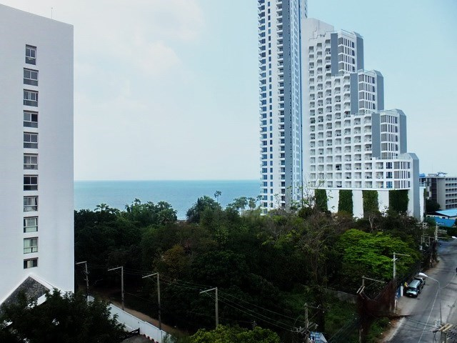 Condominium for rent Wongamat Pattaya